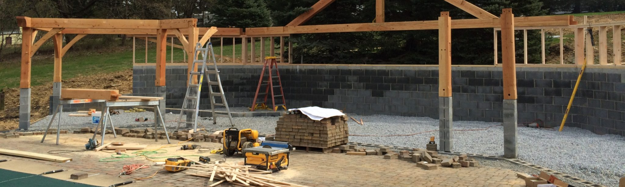 A Custom Home Builder vs. a General Contractor – What's the Difference?